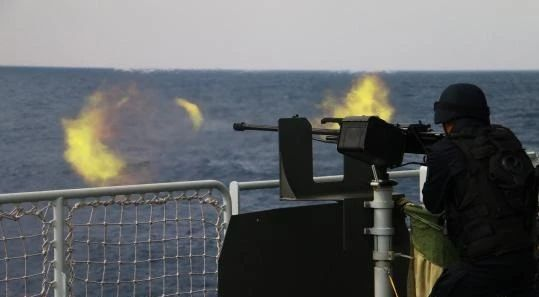 海事武装护航.jpg